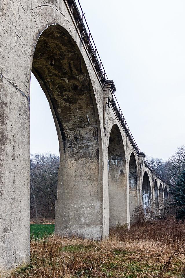 stillgelegte Eisenbahnviadukt